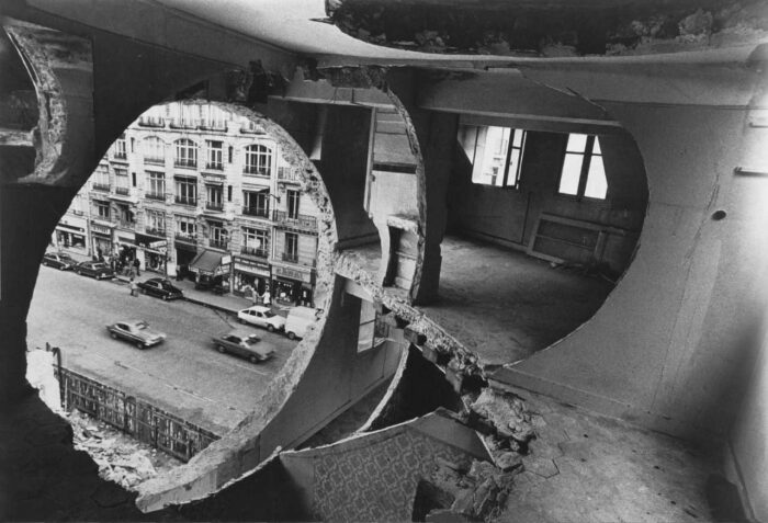 Conical Intersect, 1975. © Gordon Matta-Clark y David Zwirner, New York